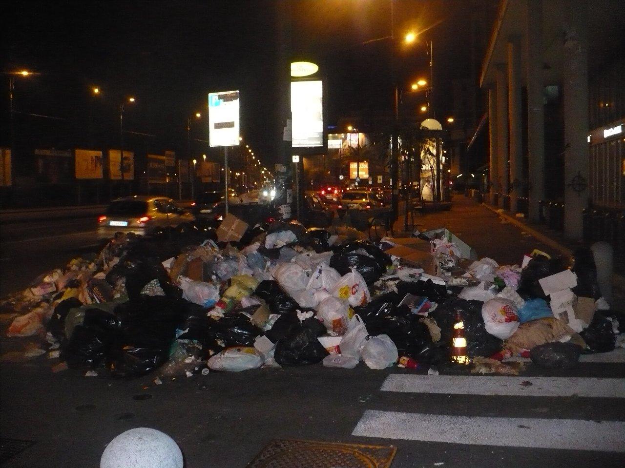 italy-trash-napoli