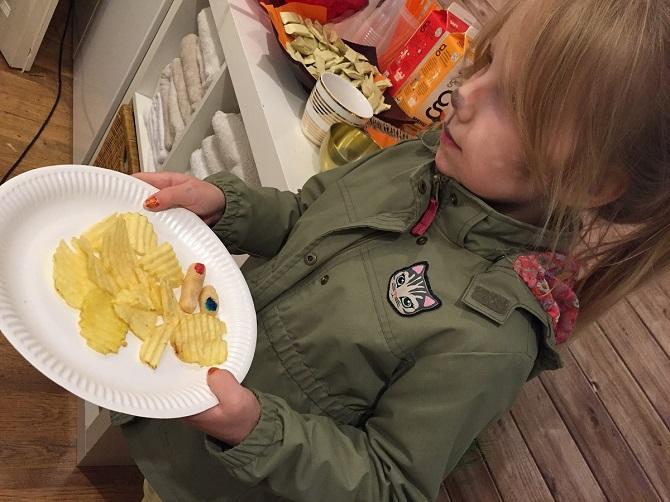 Millainen määrä ruokaa on riittävä lapselle?