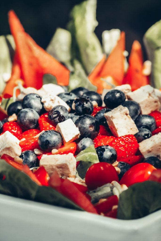 vegaaninen feta salaatti, poseland