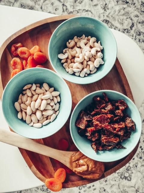 omatekoiset välipalapatukat vegaaniset ainekset