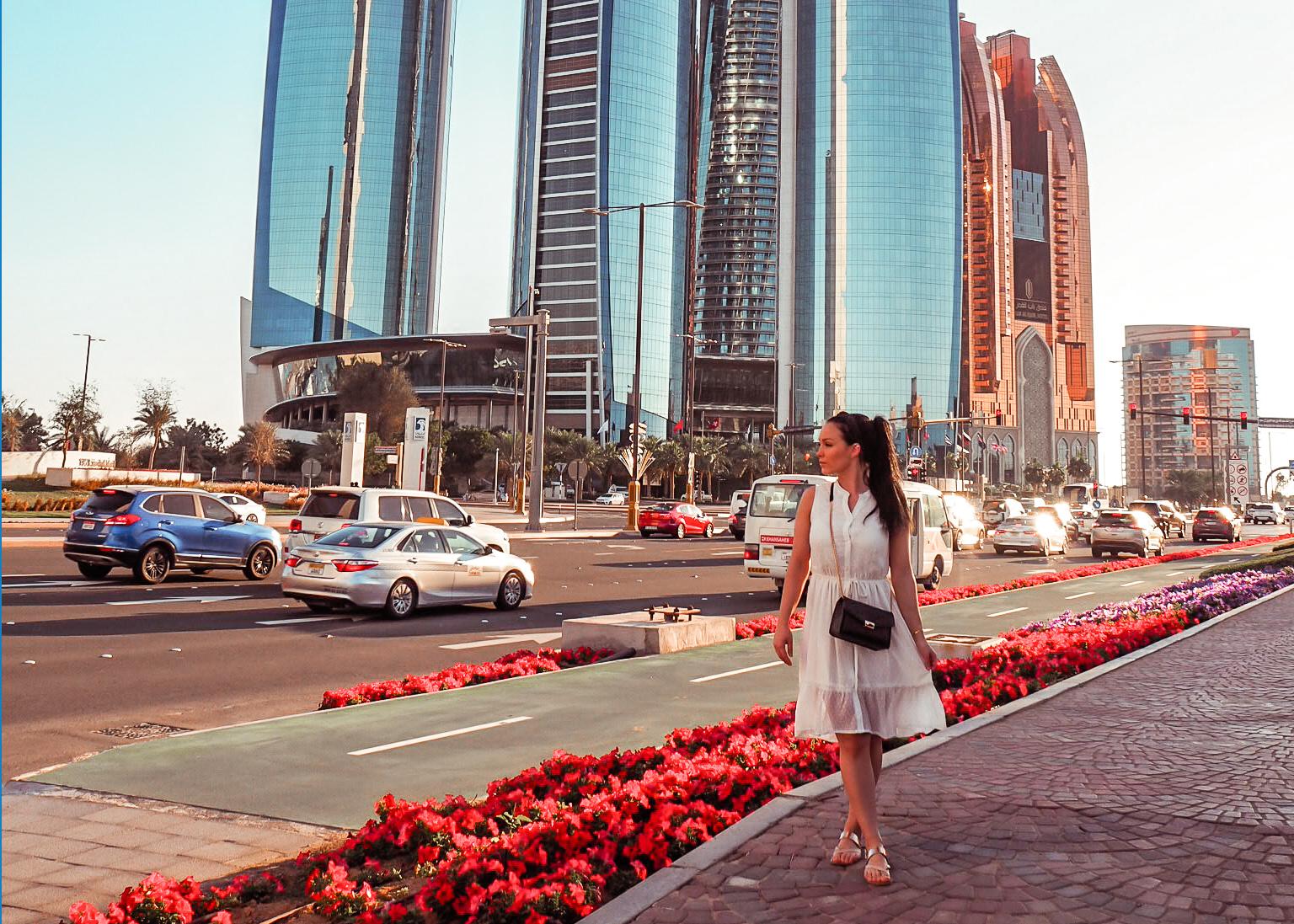 Abu Dhabi matkakohteena – Mikä hyvää, mikä huonoa?